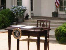 White_House_desk